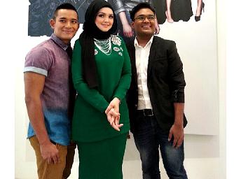 Gambar terkini Siti Nurhaliza berseri-seri di Raya Fashion Show (9
