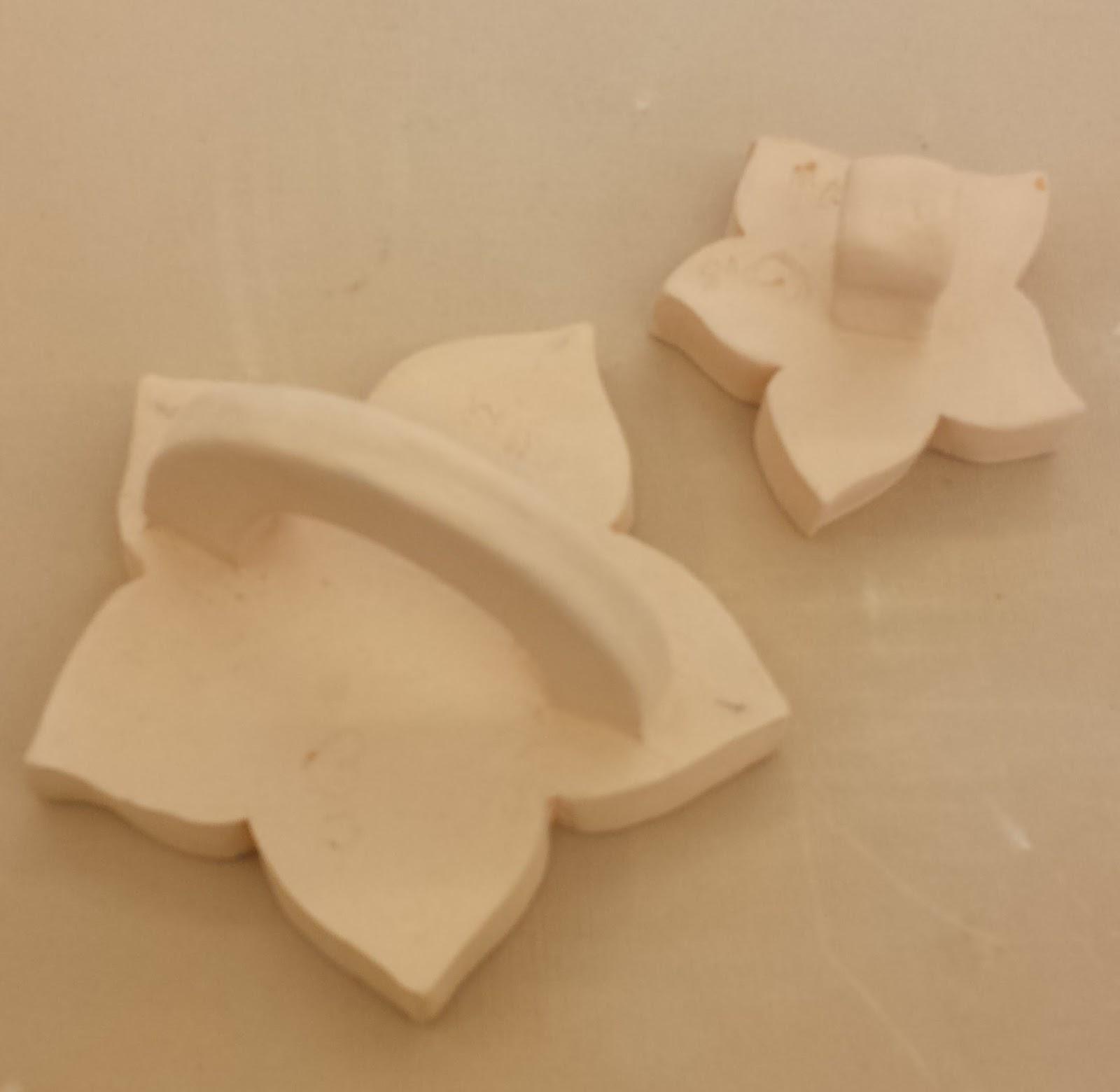 Moulds for making slab-based ceramic plates.