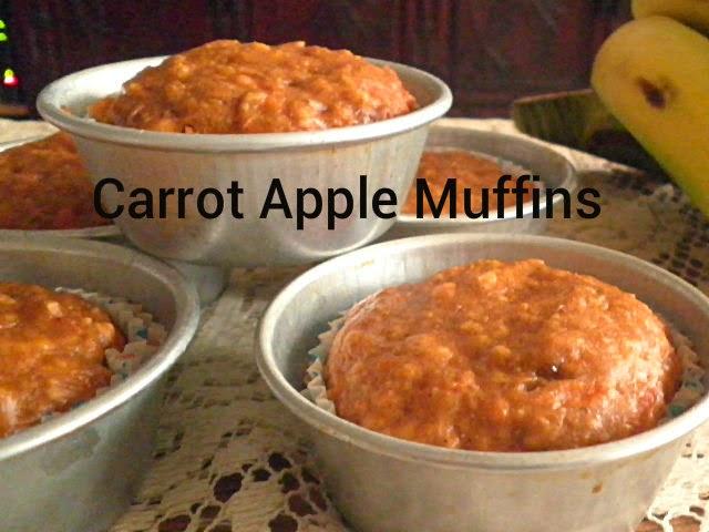 Carrot Apple Muffin Recipe @ http://treatntrick.blogspot.com