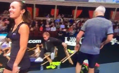 Elton John falling over | Statoil Masters Tennis 2014