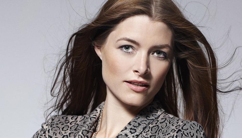 smukke danske kvinder spille fisse