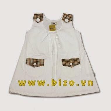 Váy trắng liền vai cho bé gái