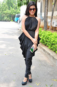Mishti Chakraborthy latest sizzling pics-thumbnail-17