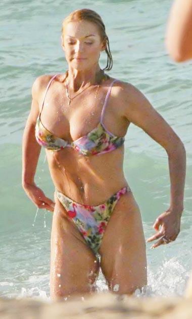 Упражнения для увеличения груди с к