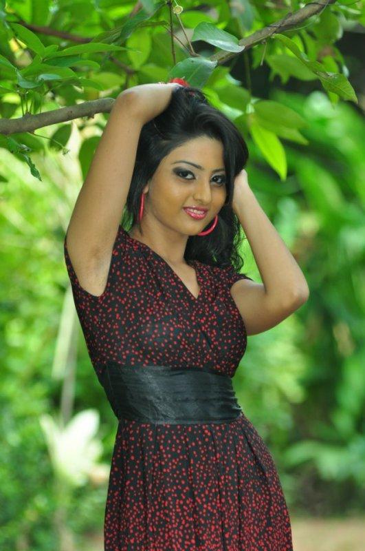 Sri lankan actress upeksha