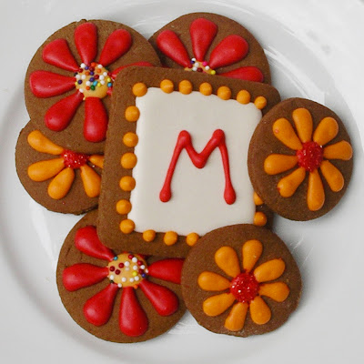 flower and initial cookies