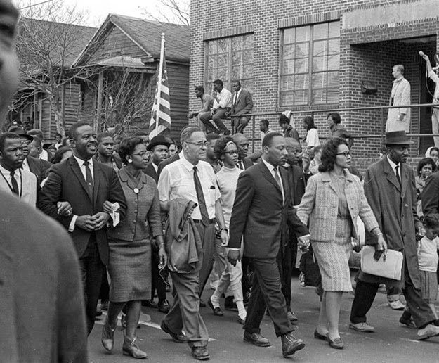 selma to montgomery march1965 essay So recalls dan budnik, the photographer who captured an indelible image of young do-right carrying a hand-stitched us flag through rural alabama on the historic voting-rights march from selma to montgomery, led by martin luther king in march 1965 in the photograph (see the gallery below), do-right.