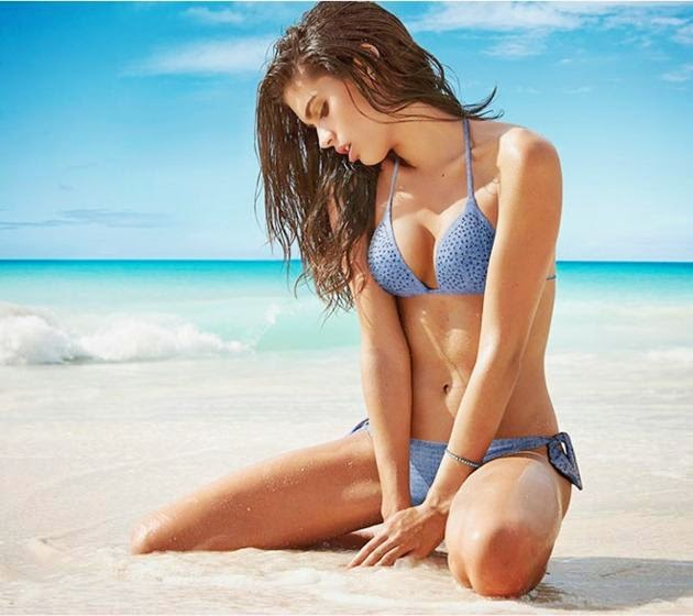 Victoria's Secret Angels hot on the beach