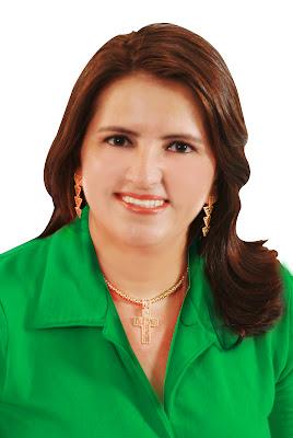 http://4.bp.blogspot.com/-8J6HHDHwFO0/UAfXy2Q2R5I/AAAAAAAADMI/ewfBKfiIYf0/s1600/luciana+oficial.jpg