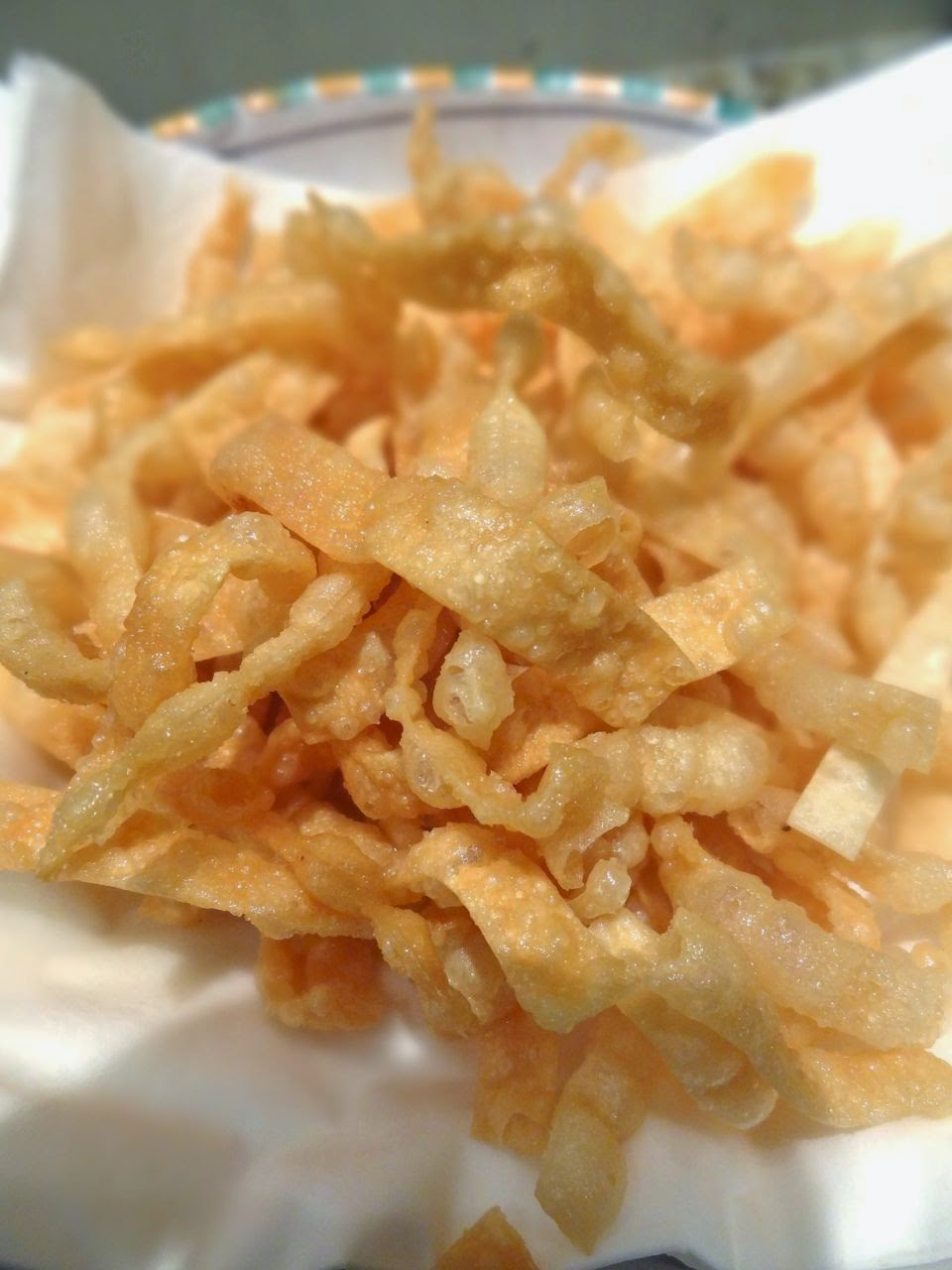 Scrumpdillyicious: Ahi Sashimi & Avocado Stack with Wonton Crisps