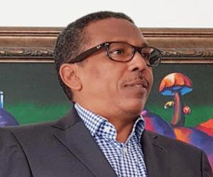 Dr. EDGAR AUGUSTO FELIZ MÉNDEZ