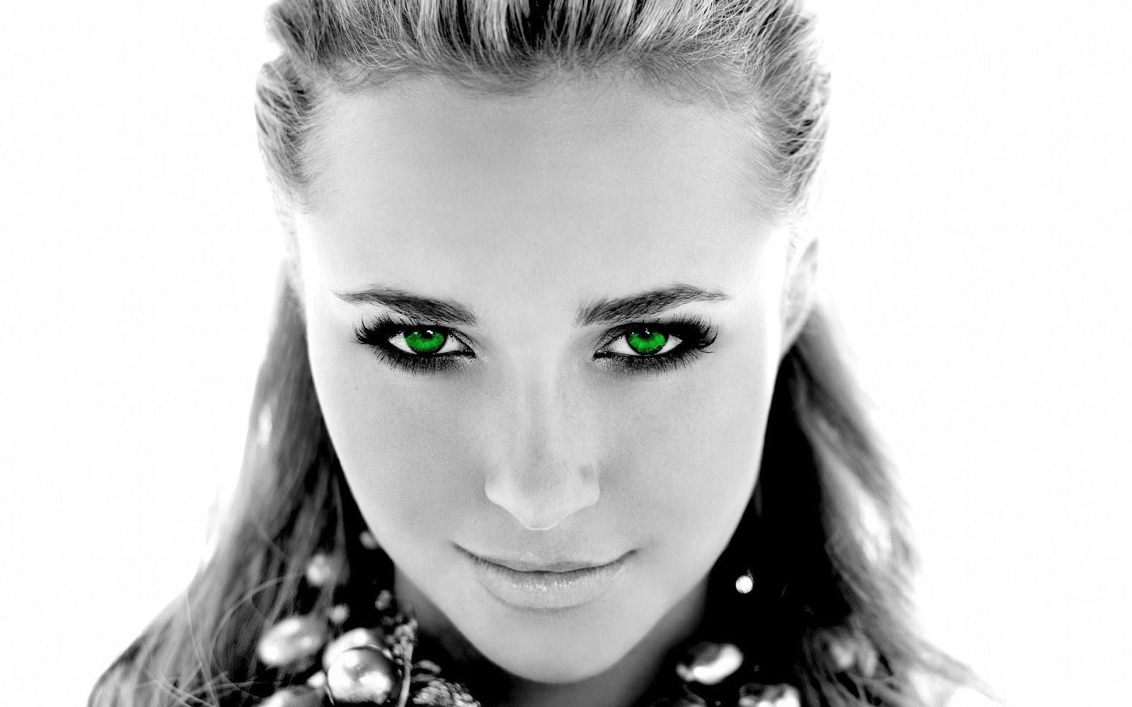 http://4.bp.blogspot.com/-8Jcn2KhxTGg/T7vEBHW9Z1I/AAAAAAAAAAU/iioXqH_fgLk/s1600/Angel+eyes+beautyfull+glamour+model+and+best+pop+queen+black+and+white+eyes+green+closeup+wallpapers+free+download+wallpapers.jpg
