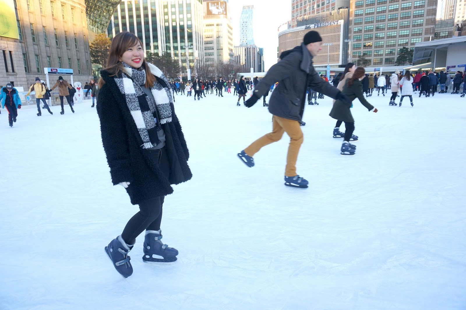 Walk with cham outdoor skating at seoul plaza seoul south korea mighty ducks is one of the movies that made a big impact on my childhood life i remember during summer we would roller skate at a park in makati joining solutioingenieria Choice Image