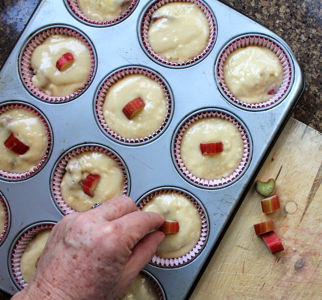 Food Lust People Love: Fresh Rhubarb Muffins