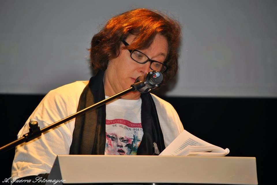 Recitando en el 5º Festival Grito de mujer