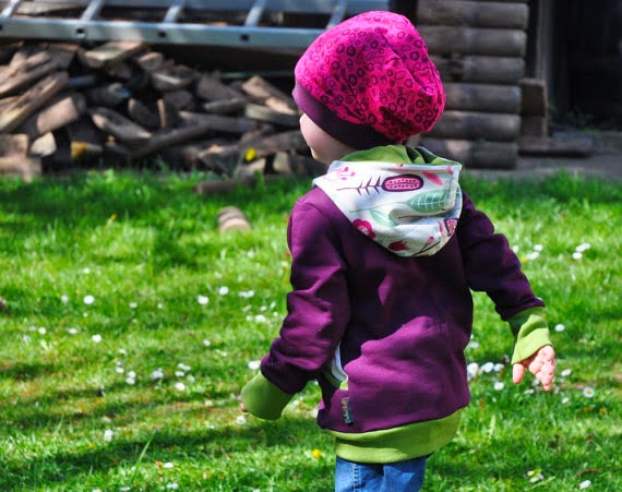 https://www.etsy.com/uk/listing/186567186/organic-hoody-ida-purple-2-12-years?ref=br_feed_15&br_feed_tlp=kids-category