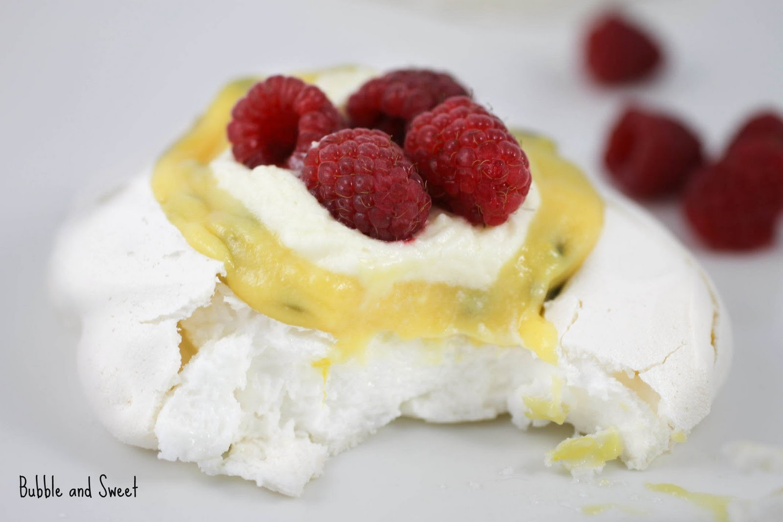 Individual Pavlova with Passion Fruit Curd perfect for Australia Day ...