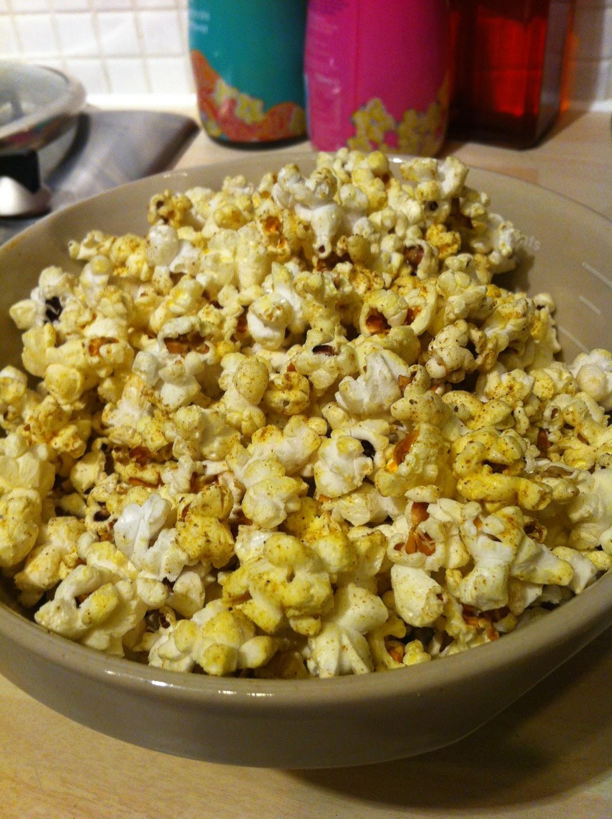 Gourmet Gob: Curry popcorn!
