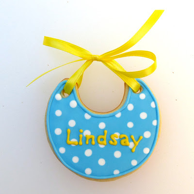 Baby Shower Bib Cookie by Nina's Show & Tell
