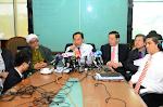 PIMPINAN UTAMA PAKATAN RAKYAT - ISU PILIHANRAYA BERASINGAN BAGI NEGERI-NEGERI PR (14/03/2012)