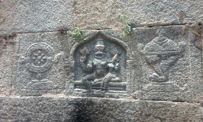 http://4.bp.blogspot.com/-8KVPqOIWBkY/T8DPTHr8wxI/AAAAAAAAFq8/FjBwcBeIrdo/s1600/Namakkal+-+Narasimha+Swamy+Temple+(10).jpg
