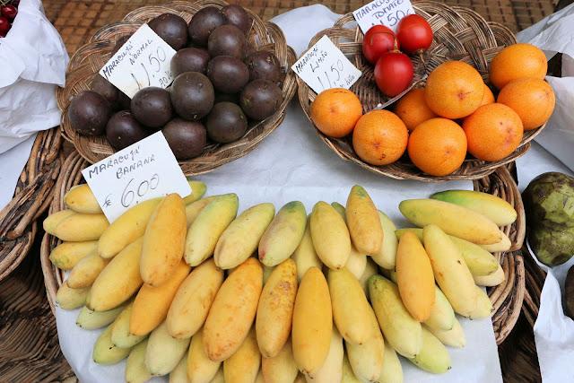 Mercado dos Lavradores, Funchal, Madeira, Maracuja Bananen