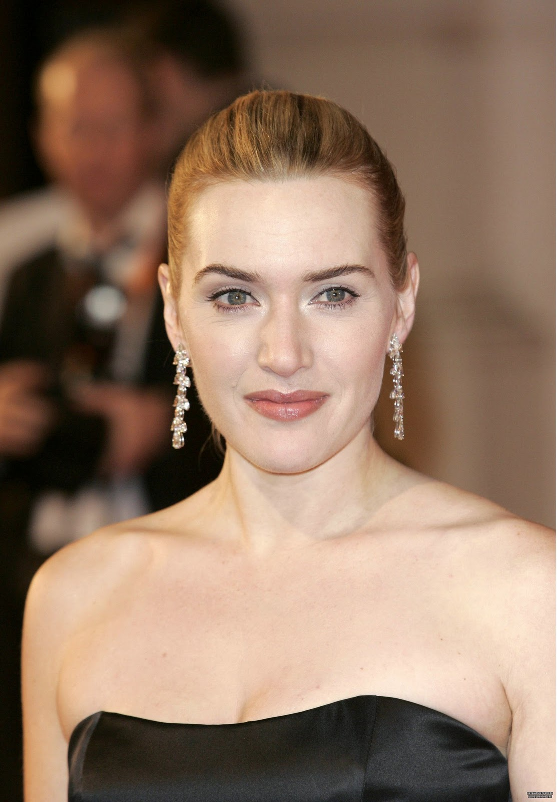 14 Lovely Kate Winslet Hairstyles
