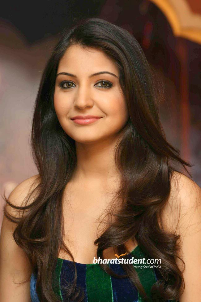 Bollywood Actress Anushka Sharma Hot
