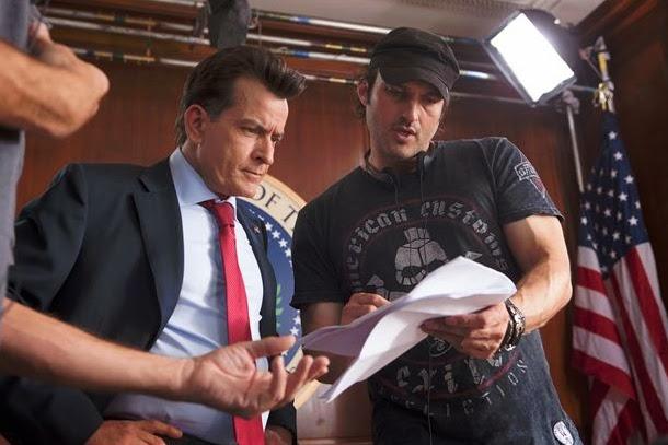 Robert Rodríguez y Charlie Sheen en pleno rodaje de Machete Kills