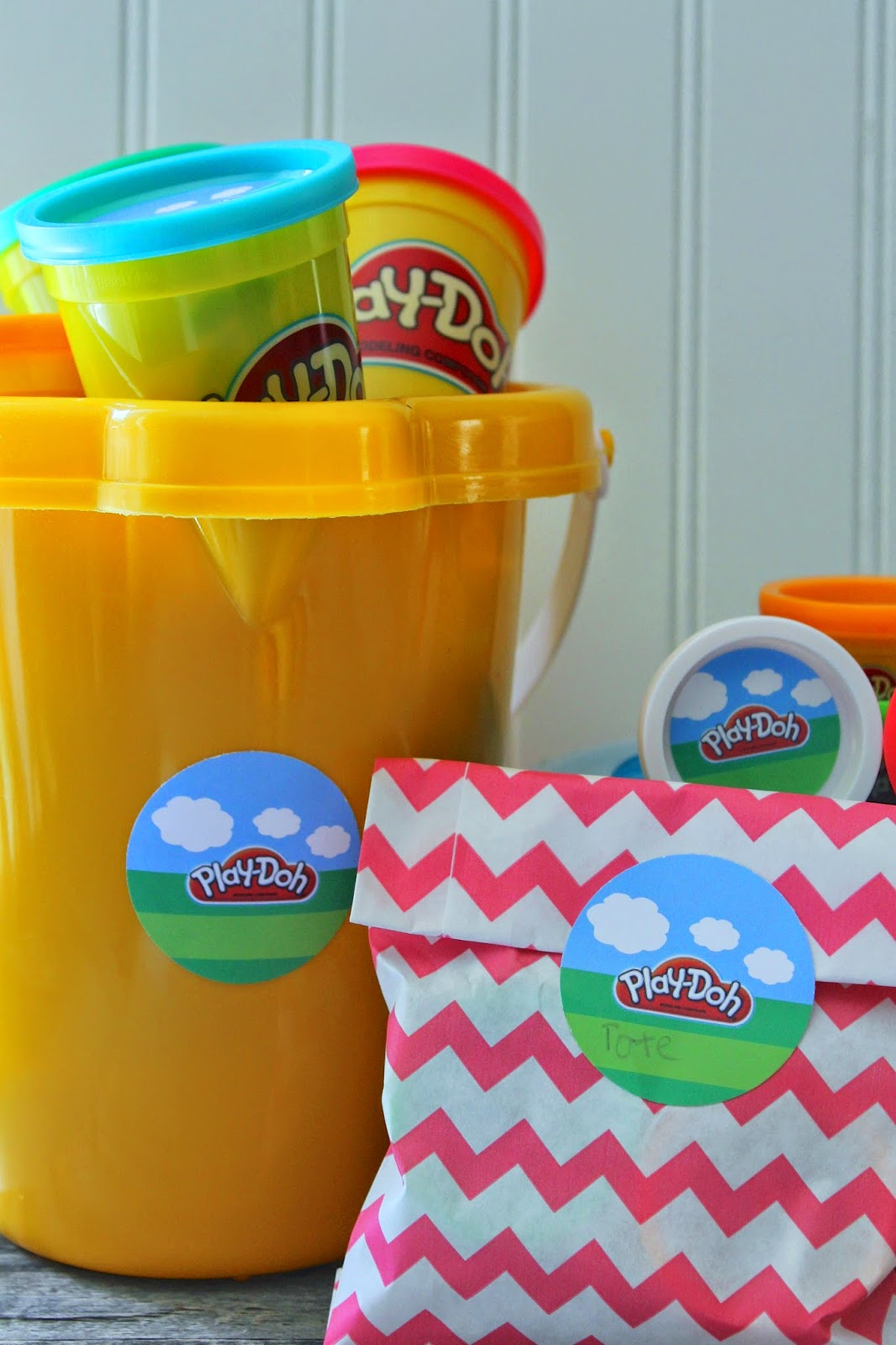 #PlayDohDay party ideas; free printables