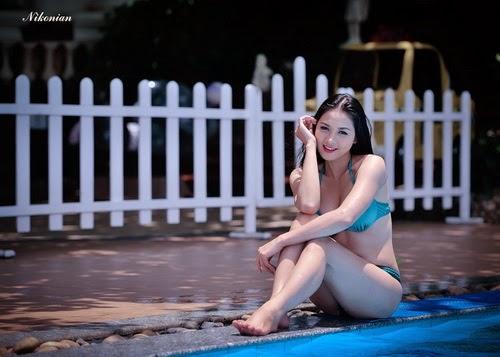 Hoa hậu Thái Nhã Văn Khoe sắc với bikini bên hồ bơi 5