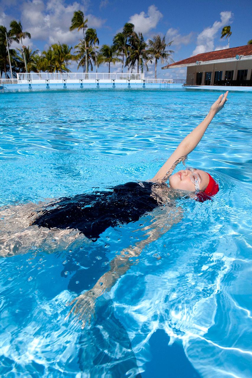Hot Swimming Pool : Ai shinozaki sexy girl in swimming pool part