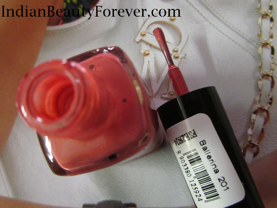 Faces Canada nail paint in Ballerina