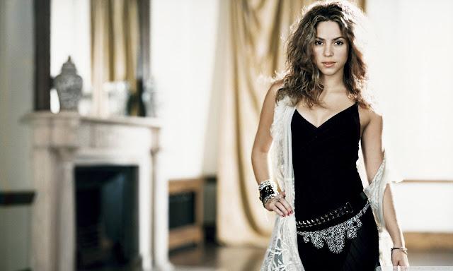 "<img src=""http://4.bp.blogspot.com/-8LugJ7mCyIE/UgvmPQgnTNI/AAAAAAAADmI/COs9y0X2KLw/s1600/shakira_mebarak_50-wallpaper-1280x768.jpg"" alt=""Shakira wallpaper"" />"