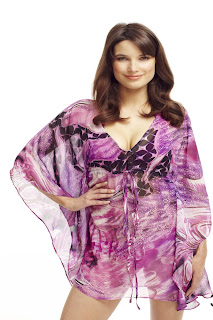 http://www.honeybeelingerie.co.uk/elizabeth-hurley-cerise-dream-kaftan.html