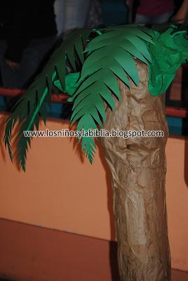 Los ni os y la biblia diciembre 2011 - Como hacer una palmera artificial ...
