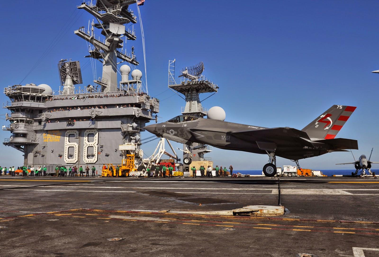 F-35 uçak gemisine ilk inişi