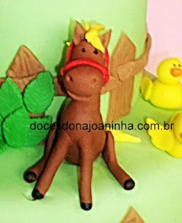 cavalo sentado bolo infantil decorado fazendinha
