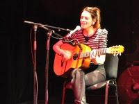 La chanteuse Bebe parle de Rocanrol