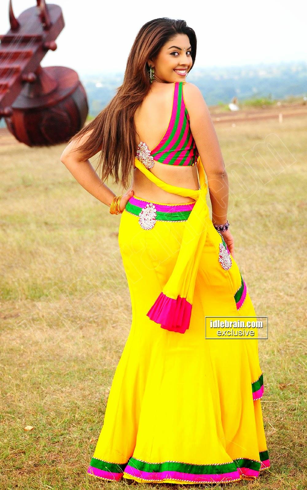 Richa Gangopadhyay back