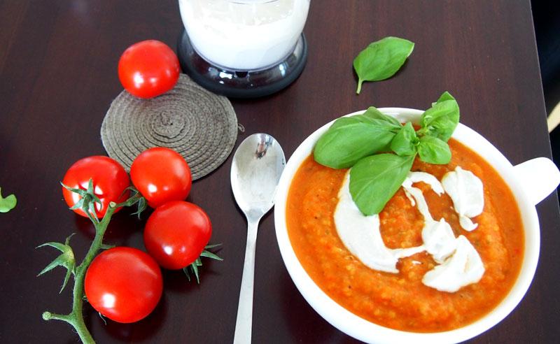 Todella hyvä tomaattikasviskeitto