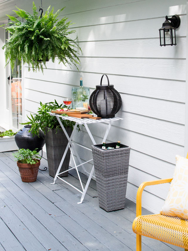 outdoor garden table