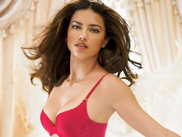 Hot Adriana Lima Hot