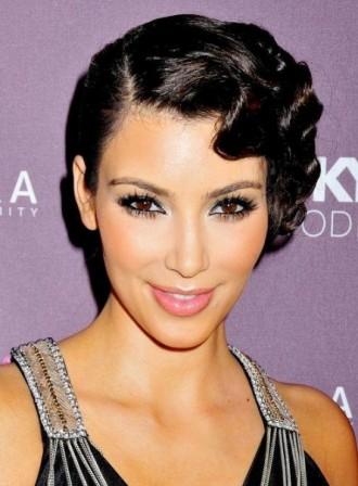 Kim Kardashian Fingerwaves
