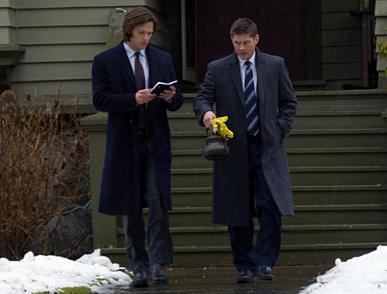 "Recap/review of Supernatural 7x16 ""Out with the Old"" by freshfromthe.com"
