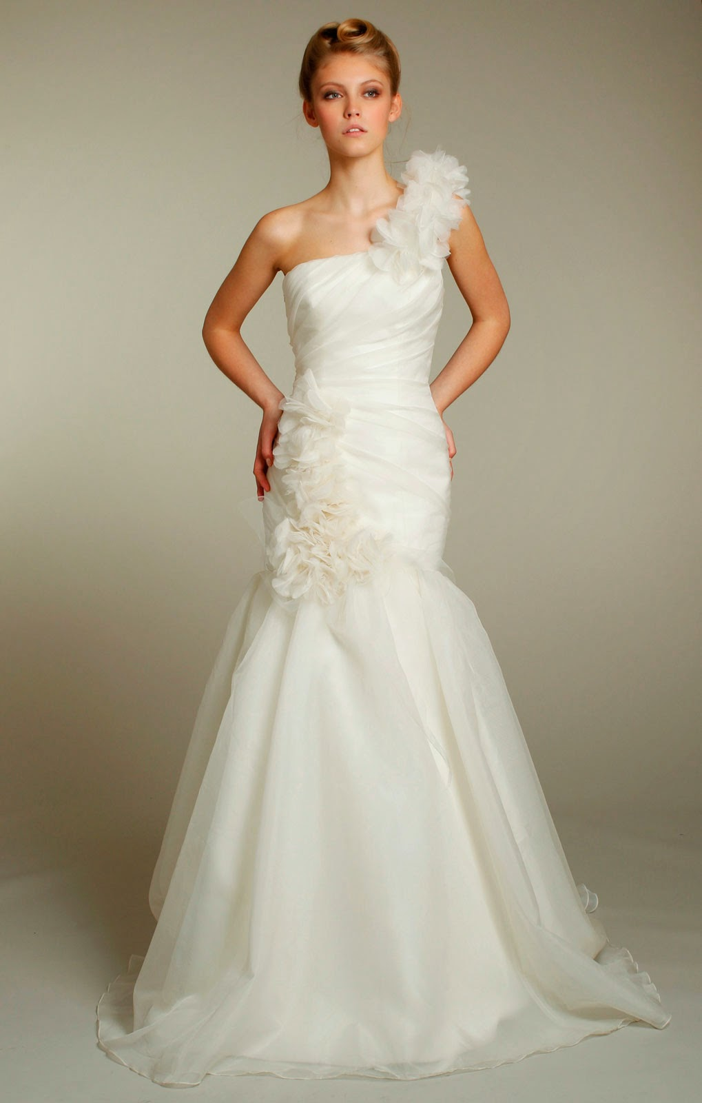 New White/Ivory Wedding Dresses Pictures - Concepts Ideas