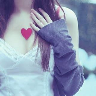 A casa da saudade chama-se memória:  é uma cabana pequenina a um canto do coração.   (Coelho Neto)