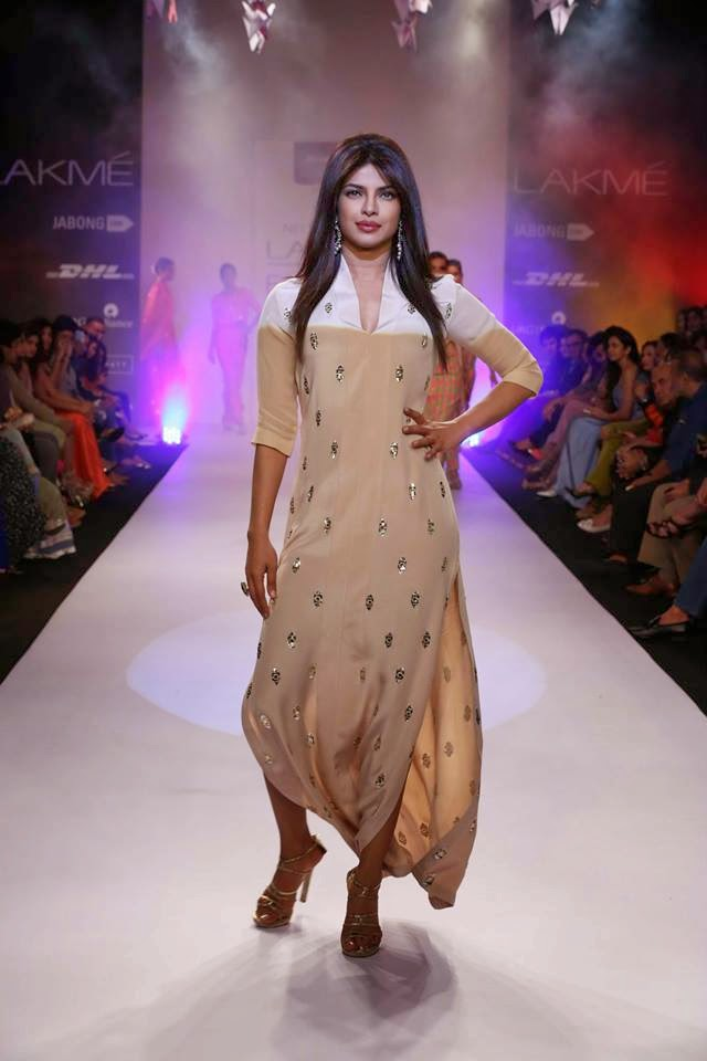 http://4.bp.blogspot.com/-8NML7gksTLg/UyXPLK7TuDI/AAAAAAABsfk/cFFhFD1Her4/s1600/Priyanka+Chopra+sizzles+on+the+ramp+for+Reliance+Trends+presents+Neeta+Lulla+at+LFW-2014+(7).jpg