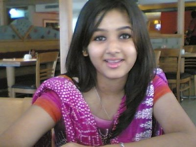 pakistani girls wallpapers. Pakistani Girls Pictures