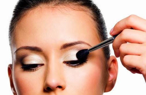 How to do natural eye makeup
